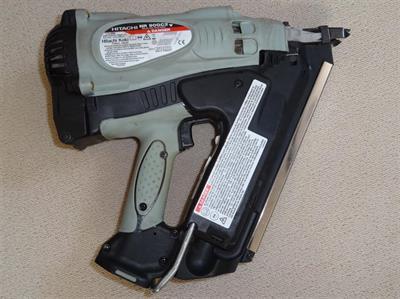 Hřebíkovačka plynová NR90GC2 Hitachi