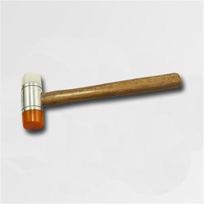 Palička dřevěná rukojeť ,plastové konce 40mm