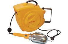 Samonavíjecí buben s elektrickým kabelem a montážní lampou GD 200 žlutý